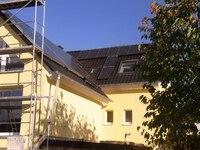 hattingen+umruestung-eines-100-jahre-alten-zweifamilienhauses-von-zwei-gaskesseln-auf-holz-pellet-kessel-thermischer-solarthermie-und-zusaetzlicher-pv-anlage+bild01.jpg